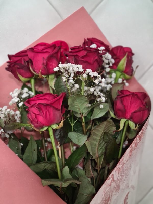7 roses Red Naomi rouges spéciales st valentin