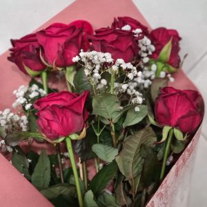 7 Red Naomi En Bouquet De Roses Pièces
